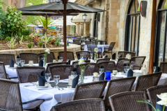 2-san-antonio-large-tables-on-the-patio-450